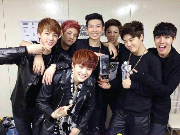 Tìm ra idol có sự nghiệp ấn tượng nhất lịch sử Kpop: 17 tuổi ra mắt, 3 năm sau có luôn Daesang, mới 24 tuổi đã được đề cử Grammy - ảnh 3