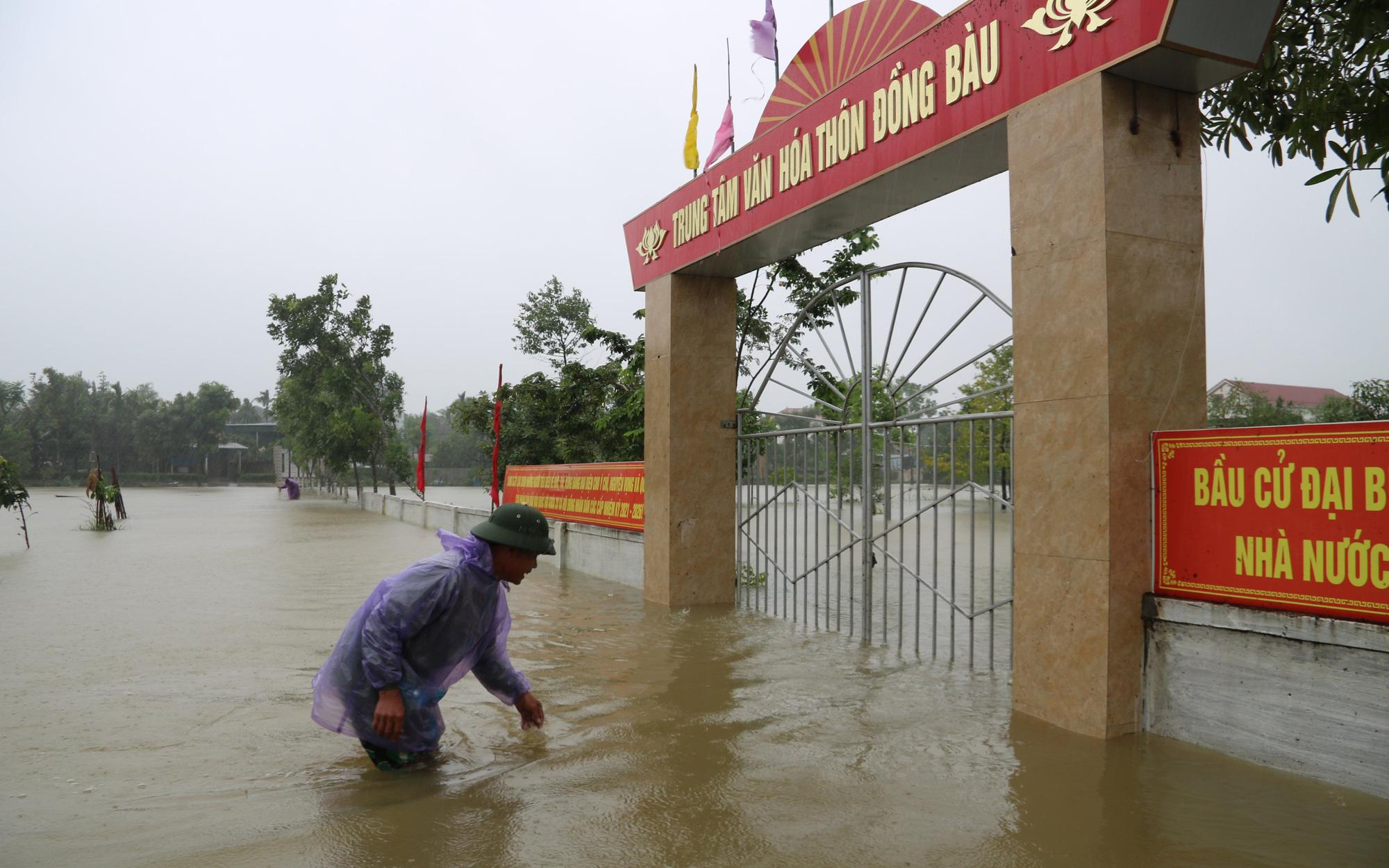 Hà Tĩnh: Mưa lớn kéo dài gây ngập cục bộ, nhiều địa phương lên kế hoạch di dời dân
