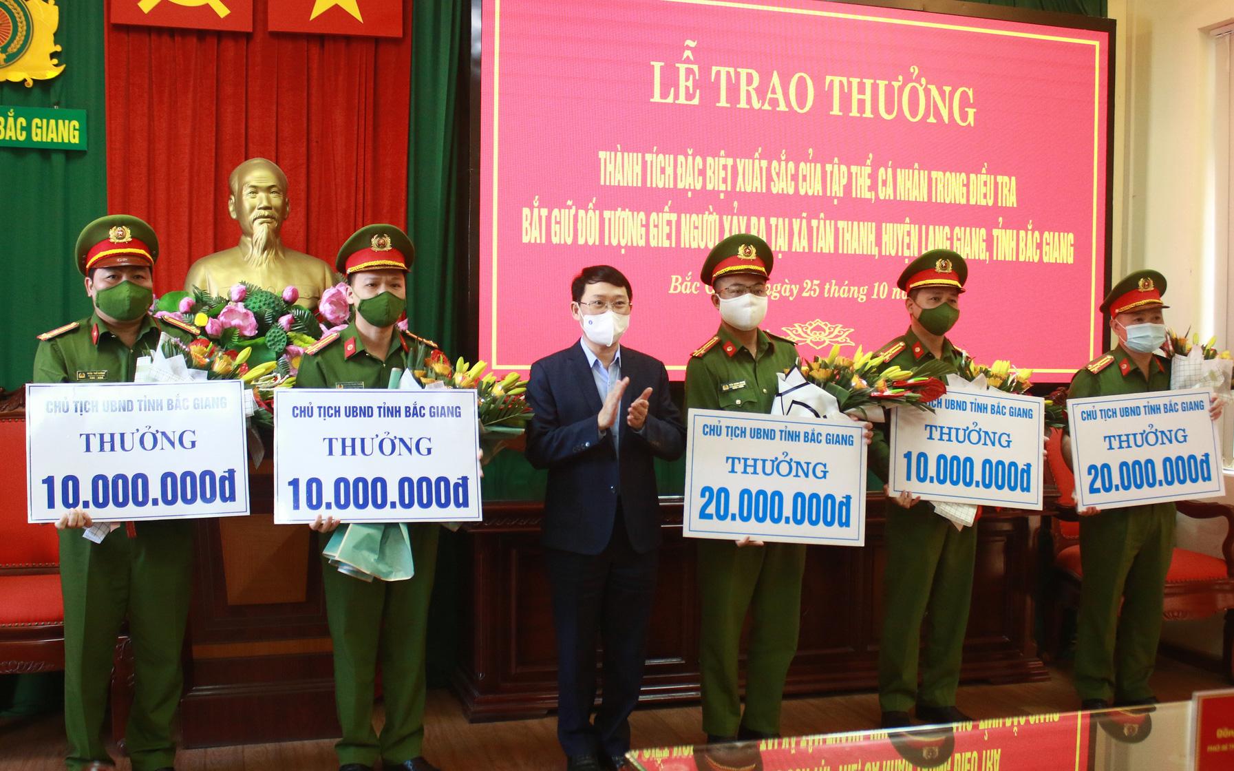 Khen thưởng Ban chuyên án vụ truy bắt kẻ sát hại 3 người thân tại Bắc Giang
