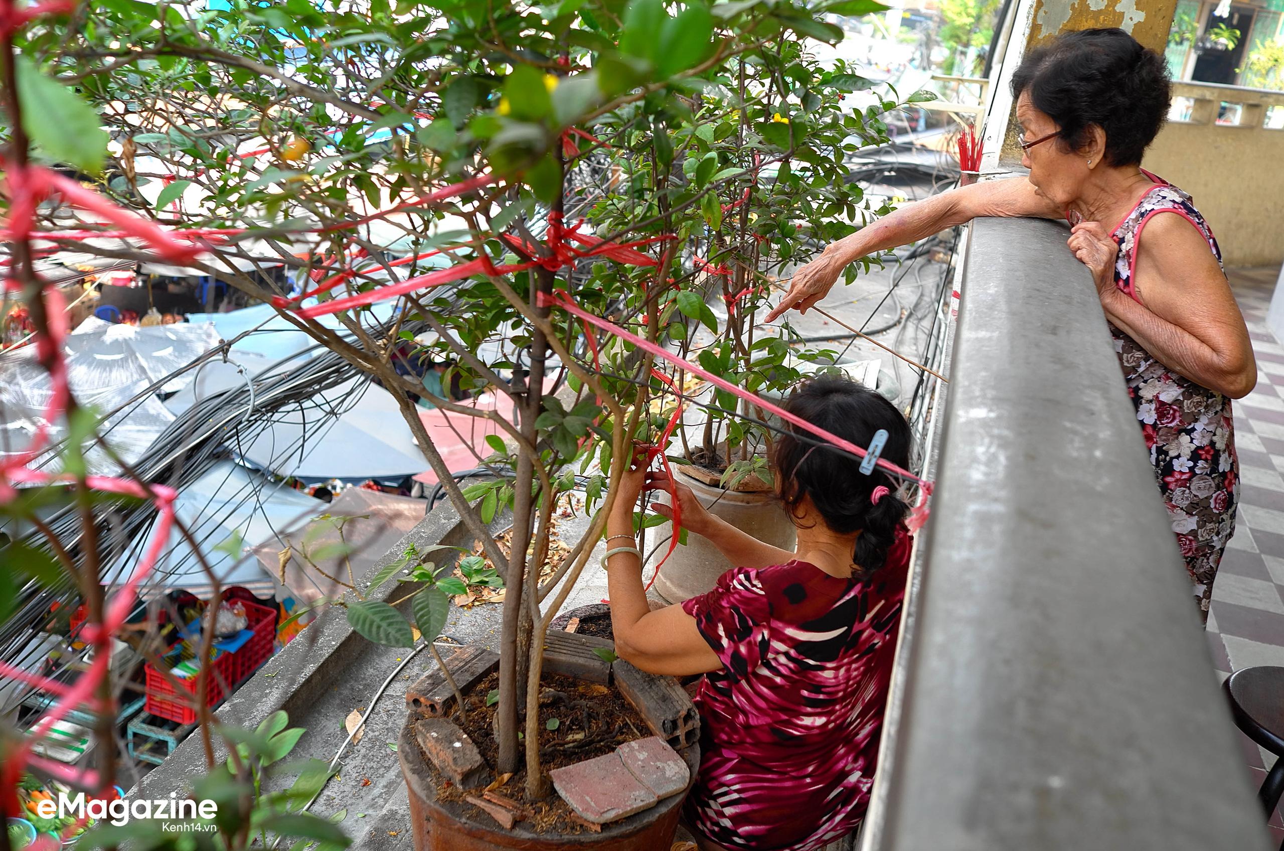 Năm nay, ai cũng có một cái Tết thật khác ở Sài Gòn: Gửi một niềm tin chắc nịch, rằng mọi chuyện sẽ ổn thôi!  - Ảnh 2.