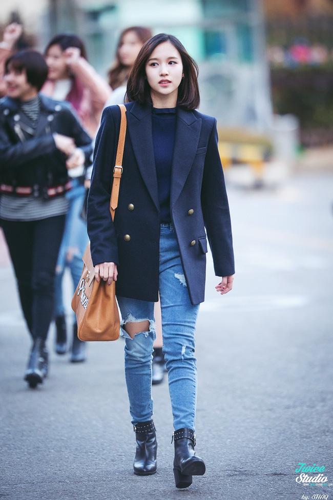Quả đúng là tiểu thư gia thế khủng, Mina (TWICE) mặc toàn đồ đơn giản cũng tỏa khí chất lá ngọc cành vàng nhìn mà mê  - Ảnh 11.