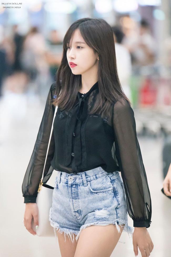 Quả đúng là tiểu thư gia thế khủng, Mina (TWICE) mặc toàn đồ đơn giản cũng tỏa khí chất lá ngọc cành vàng nhìn mà mê  - Ảnh 8.