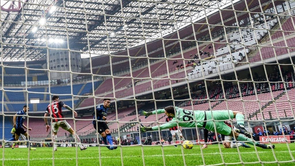 Song sát Lu - La chói sáng, Inter Milan quật ngã AC trong trận cầu 6 điểm tranh chức vô địch - Ảnh 6.