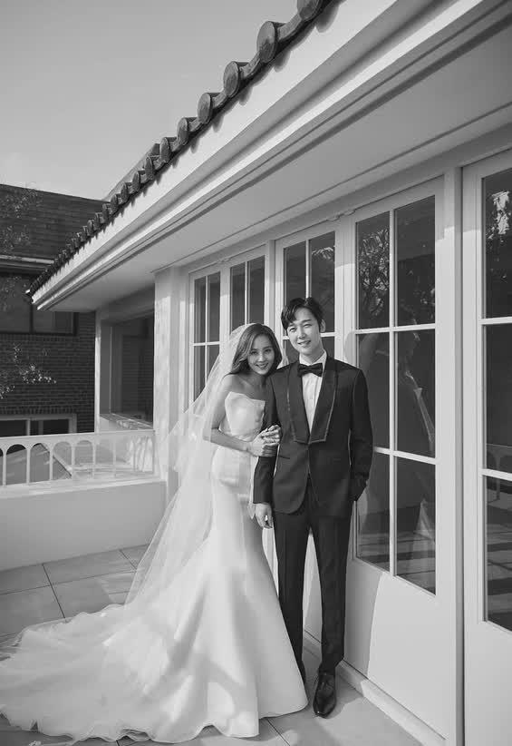 Cả xứ Hàn đang dậy sóng vì ảnh cưới của tiểu tam Eugene trong Penthouse 2, nhìn thế này ai nghĩ đã là mẹ 2 con - ảnh 5