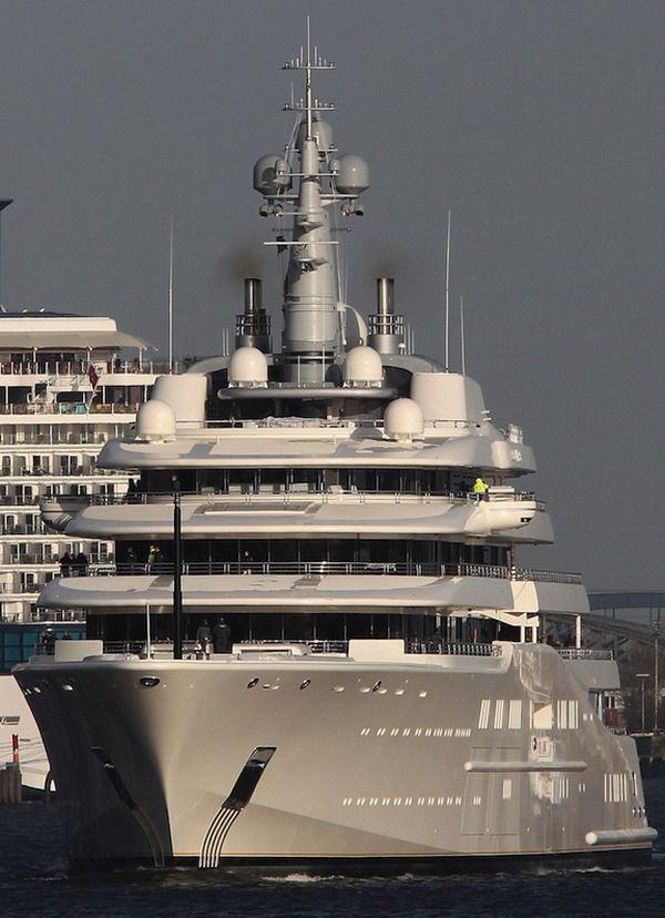 Choáng với hình ảnh đầu tiên về chiếc du thuyền 13,6 nghìn tỷ của ông chủ giàu có bậc nhất làng bóng đá - ảnh 4