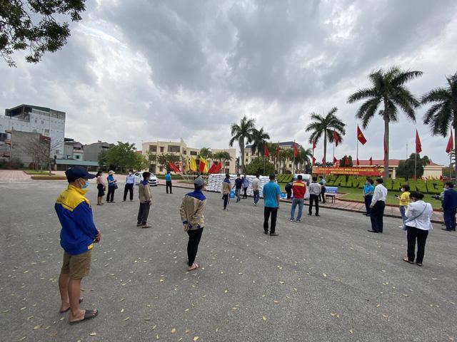 Cận cảnh việc lắp đặt cây ATM gạo đầu tiên tại Hải Dương - ảnh 5