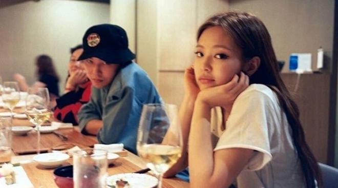 Góc gây lú: G-Dragon vừa tan vỡ với Lisa ở Việt Nam đã sang Hàn hẹn hò Jennie, tất cả là vì nhân vật này! - ảnh 5
