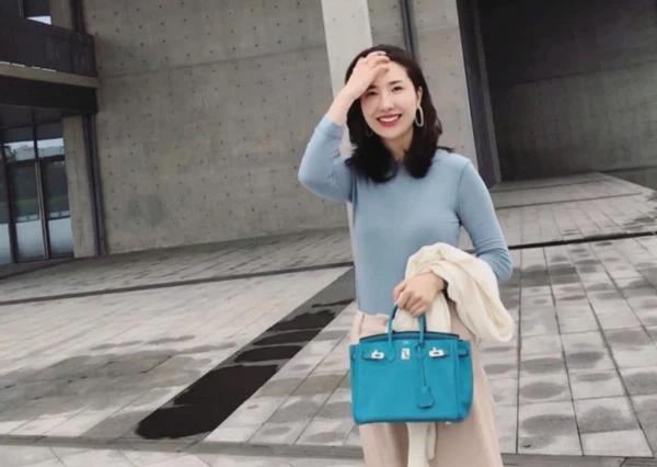 Nhan sắc rạng rỡ, thần thái không giảm dù 1mm của vợ chủ tịch Taobao hậu lùm xùm ly hôn - ảnh 3