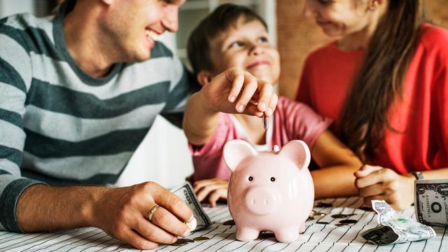 Phỏng vấn 1.200 triệu phú lập nghiệp từ tay trắng về cách dạy con kiếm tiền: Tương lai giàu có bắt đầu từ quan niệm đúng đắn về tiền bạc - ảnh 2