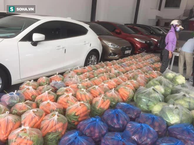 Bỏ xó cả chục ô tô bạc tỷ, ông chủ showroom đi bán ngô và trứng gà, giải cứu nông sản Hải Dương - ảnh 1