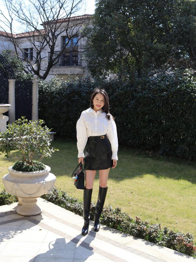 Street style Châu Á: Nhiều màu sắc xuống phố nhưng bất ngờ nhất là màn khoe eo mỏng dính của cô nàng váy cam - ảnh 11