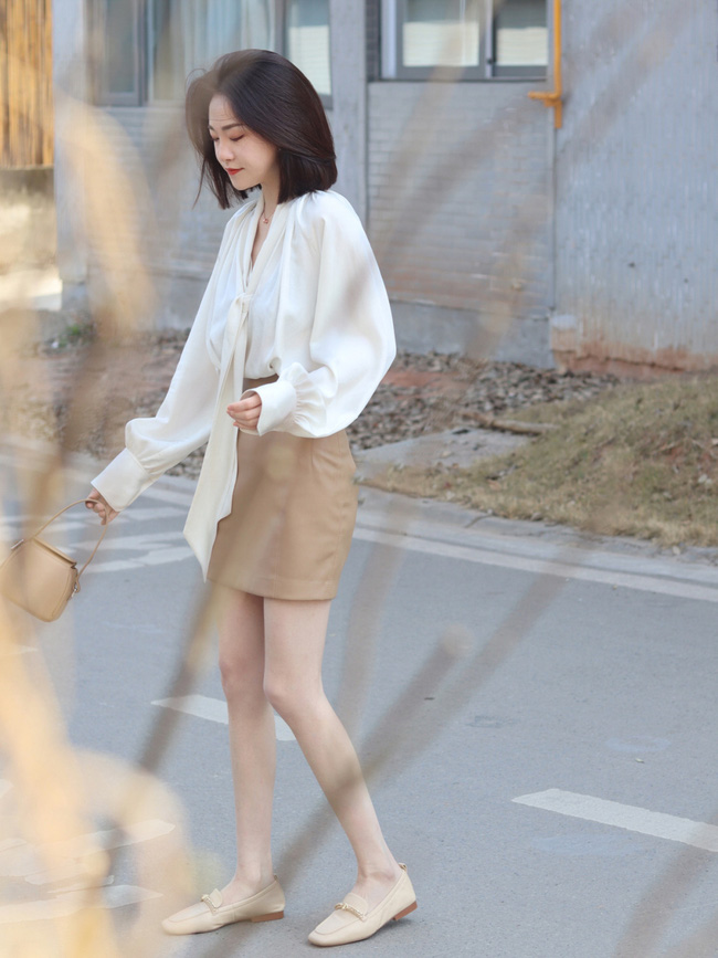 Street style Châu Á: Nhiều màu sắc xuống phố nhưng bất ngờ nhất là màn khoe eo mỏng dính của cô nàng váy cam - ảnh 9