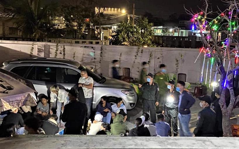 Bắt quả tang 33 nam nữ đang sát phạt nhau trên chiếu bạc