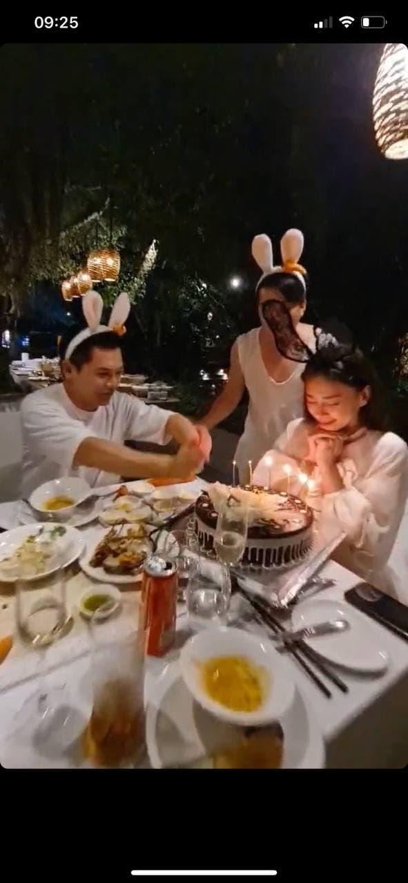 Ngô Thanh Vân công khai kề cận Huy Trần, ra mắt Xuân Lan - Jun Phạm và hội bạn sao Vbiz trong tiệc sinh nhật hoành tráng - ảnh 4