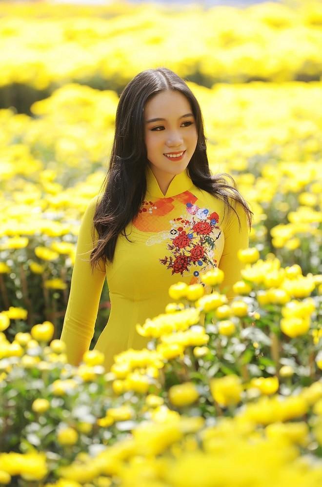 Con gái của Á hậu Trịnh Kim Chi: Hồi nhỏ mũm mĩm, lớn lên lột xác thành hot girl xinh đẹp nhưng nể nhất là thành tích học tập - ảnh 7