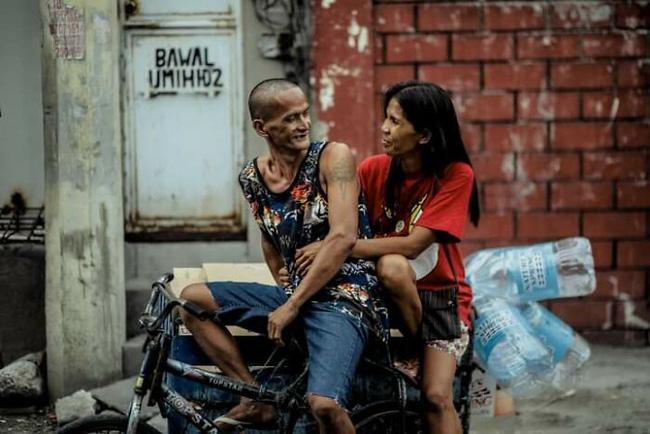 Được nhà hảo tâm giúp đỡ, cặp đôi U60 nghèo nhặt ve chai quay ngoắt 180 độ với bộ ảnh cưới đậm chất fashionista, ai xem cũng trố mắt - ảnh 15