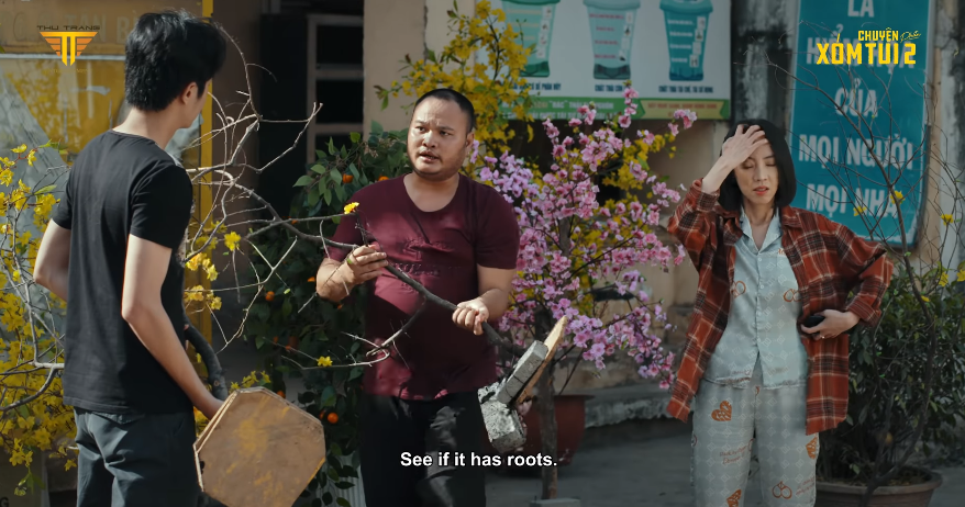 Thu Trang bị dân chúng nắm đầu đánh túi bụi, mất chục triệu vì phi vụ mai Tết pha ke ở Chuyện Xóm Tui 2 tập 2 - Ảnh 8.