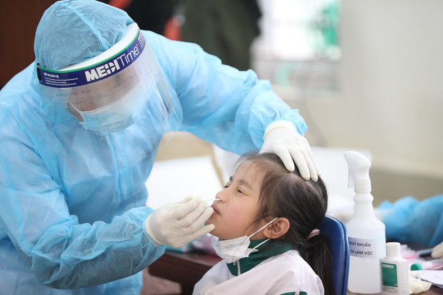 Diễn biến dịch ngày 3/2: Bộ Y tế công bố thêm 19 ca nhiễm Covid-19 trong cộng đồng; xe khách ở Hà Nội không được chở quá 20 người - Ảnh 1.