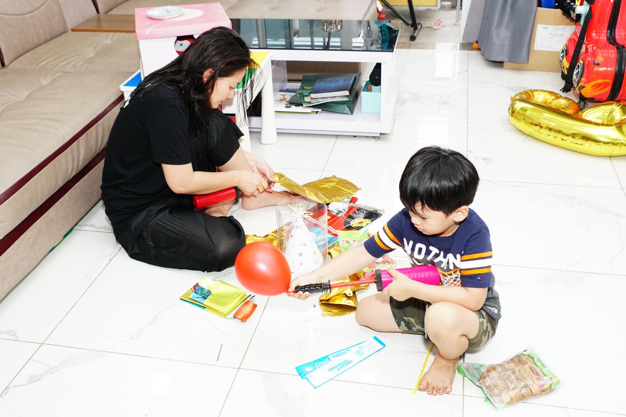 Ngọc Lan kỳ quặc tổ chức sinh nhật cho con trai Thanh Bình vắng mặt nhưng có hành động đặc biệt dành cho bé - Ảnh 2.