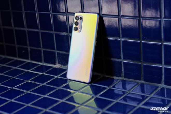 Trên tay OPPO Reno 5 5G: Snapdragon 765G, SuperVOOC 2.0 65W 5 phút sạc được 4 giờ dùng, modem 5G cho tốc độ lên đến 1,2Gbps - ảnh 1