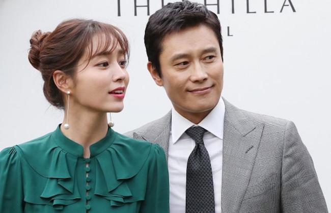 Ông xã Lee Byung Hun bị đàn em thả thính công khai, Lee Min Jung vào tận trang cá nhân dằn mặt - Ảnh 3.
