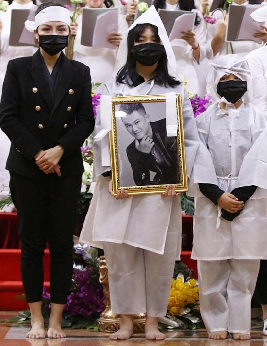 Vợ cũ cố NS Vân Quang Long tổ chức sinh nhật cho con trai, nhắn nhủ điều gây chú ý 004