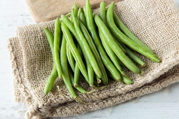 7 loại rau củ không nấu chín kĩ mà cứ ăn sống sẽ làm cơ thể sẽ bị nhiễm độc tố - ảnh 1