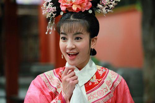 Ác nữ Cẩm Tâm Tựa Ngọc hóa ra chính là người xưa đọ visual với Triệu Lệ Dĩnh ở Hoàn Châu Cách Cách 003