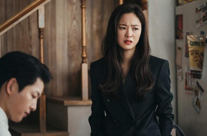 """6 nữ chính khiến netizen tức nhất phim Hàn: Chị đẹp Penthouse, """"bồ"""" Song Joong Ki giật nhau vị trí đầu 002"""