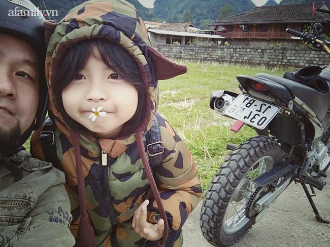 Ông bố người Tày và những chuyến đi vượt 150km mỗi tuần cùng con học ngoại ngữ: Bé 11 tuổi nói tiếng Anh như gió, giành được học bổng Mỹ - Ảnh 3.