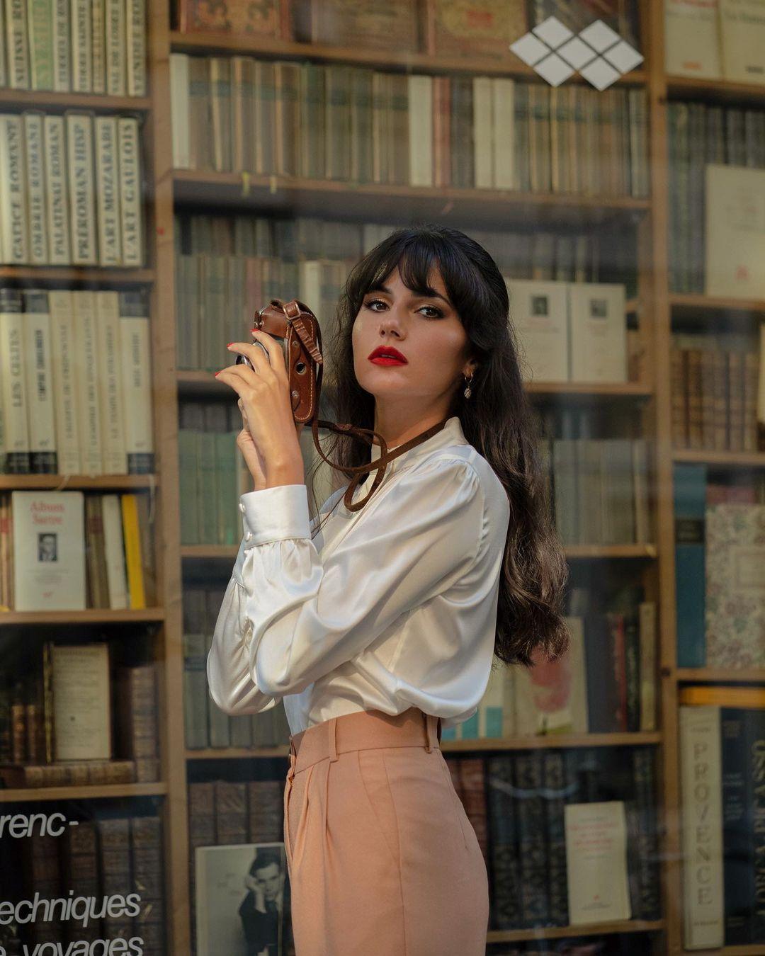 Điểm mặt 5 kiểu áo sơ mi của phụ nữ Pháp, chỉ cần diện đơn giản cũng đạt 100 điểm tinh tế! - Ảnh 3.