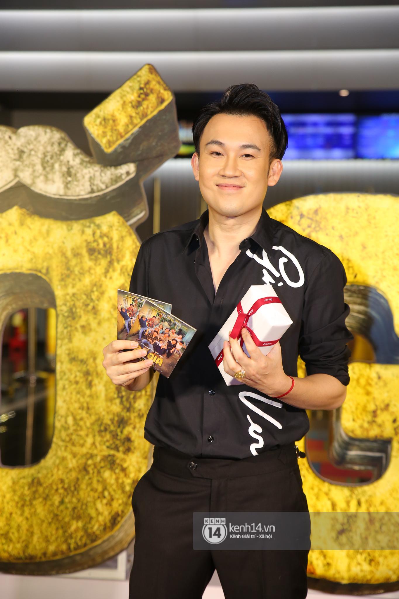 Cặp đôi nhà Đông Nhi, Lệ Quyên thi nhau show ân ái không kém cạnh Trấn Thành - Hariwon ở siêu thảm đỏ Bố Già - Ảnh 36.