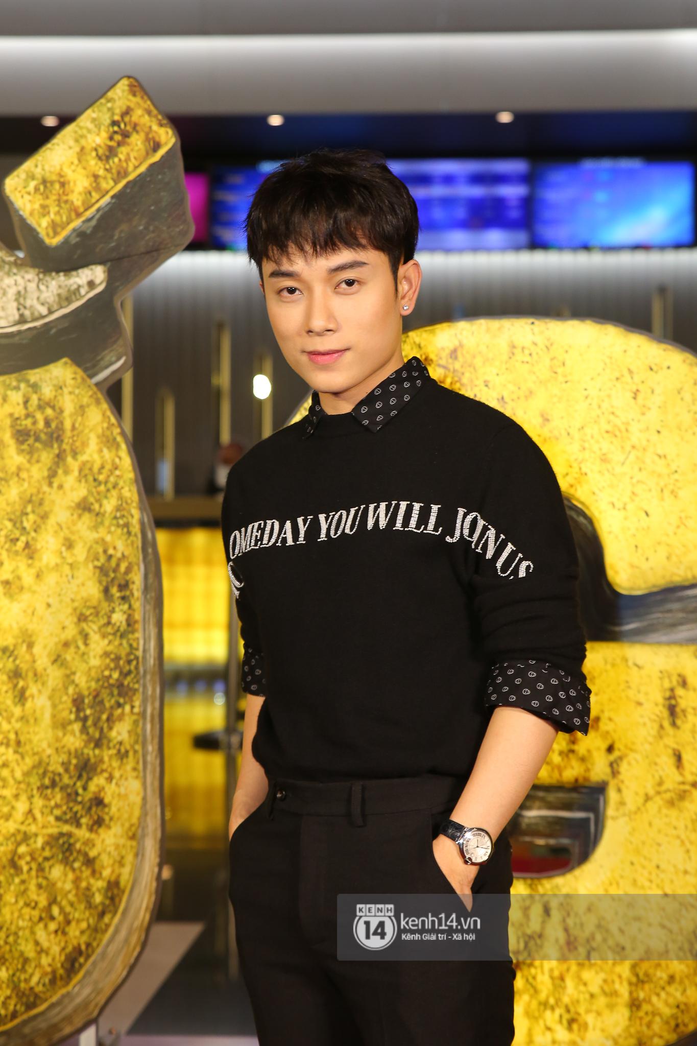Cặp đôi nhà Đông Nhi, Lệ Quyên thi nhau show ân ái không kém cạnh Trấn Thành - Hariwon ở siêu thảm đỏ Bố Già - Ảnh 25.