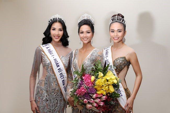 H'Hen Niê đăng hình cũ mừng sinh nhật Mâu Thủy: Cô PG năm nào đã trở thành Hoa hậu đình đám bậc nhất Việt Nam - ảnh 4