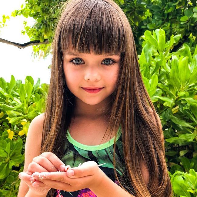 Cô bé người Nga được mệnh danh đẹp nhất thế giới 4 năm trước: Hiện tại vẫn gây sốt vì quá xinh đẹp, bất ngờ nhất là chuyện học hành - ảnh 5