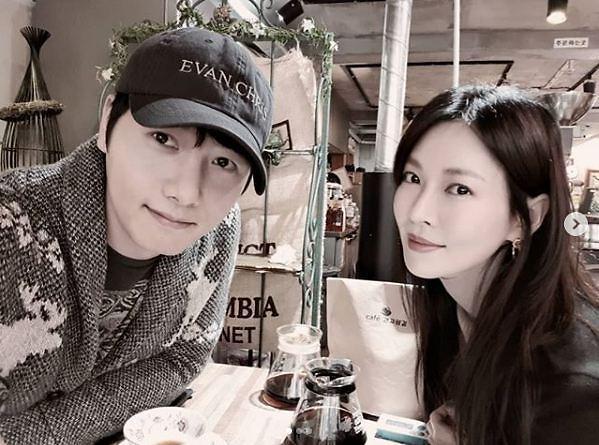 Chuyện tình ác nữ Penthouse Kim So Yeon và tài tử hiền lành: Từ màn mượn rượu tỏ tình có 1-0-2 trong lịch sử đến cuộc hôn nhân vàng của châu Á - ảnh 12