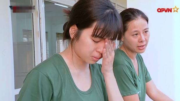 Khánh Vân tiết lộ mẹ khóc từ lúc con gái bị anti đến khi nhất bảng Sao Nhập Ngũ, tiện thể khẳng định mình là bánh bèo có dụng - ảnh 1