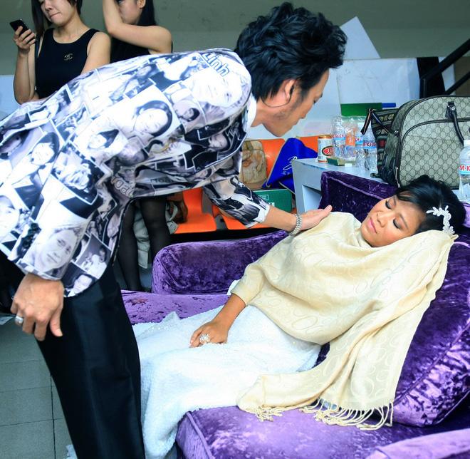 Mới 52 tuổi, danh hài Hoài Linh đã lên chức ông cố - Ảnh 2.