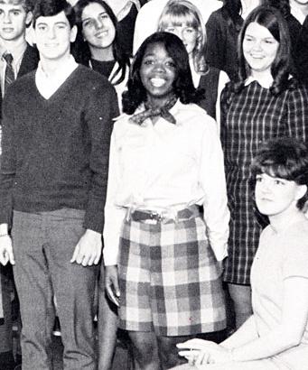 8/3 kể chuyện người phụ nữ có sức ảnh hưởng nhất hành tinh Oprah Winfrey: 14 tuổi mang thai vì bị lạm dụng tình dục, đạp lên vũng bùn đứng dậy tỏa ánh hào quang - ảnh 8