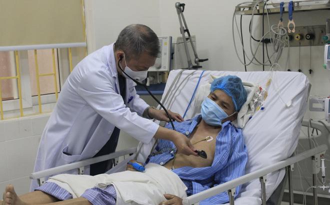 Chuyên gia hàng đầu về tim mạch: 2 dấu hiệu cảnh báo đột quỵ, kể cả gặp ở người trẻ cũng cần đi khám ngay - Ảnh 2.