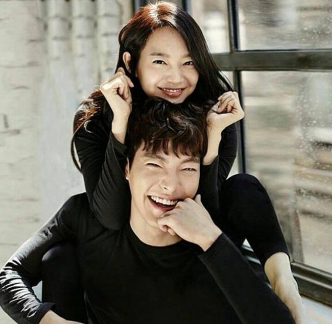 Mặt tròn khác biệt, bạn gái tài tử Woo Bin đã để 4 kiểu tóc này để nhan sắc luôn đẹp đỉnh cao - ảnh 1