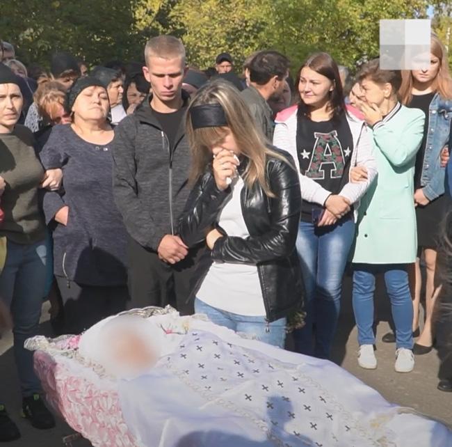 Bị từ chối tình cảm, gã cầm thú cưỡng hiếp rồi giết con gái 9 tuổi của bạn gái để trả thù, gia đình khóc ngất khi thấy thi thể nạn nhân - ảnh 5