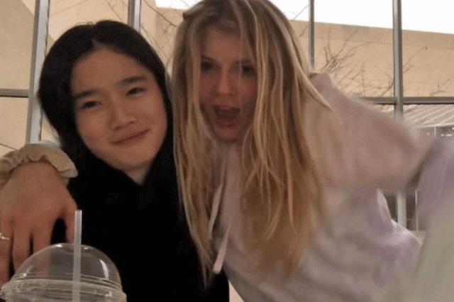 Cháu gái gia tộc Samsung lộ diện đã lập tức gây bão MXH với diện mạo thanh thuần nhưng chiếm trọn spotlight lại là bộ quần áo của tiểu thư 17 tuổi - ảnh 16