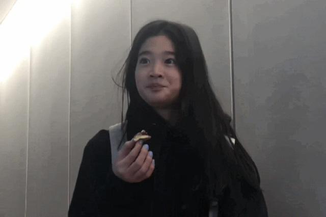Cháu gái gia tộc Samsung lộ diện đã lập tức gây bão MXH với diện mạo thanh thuần nhưng chiếm trọn spotlight lại là bộ quần áo của tiểu thư 17 tuổi - ảnh 17