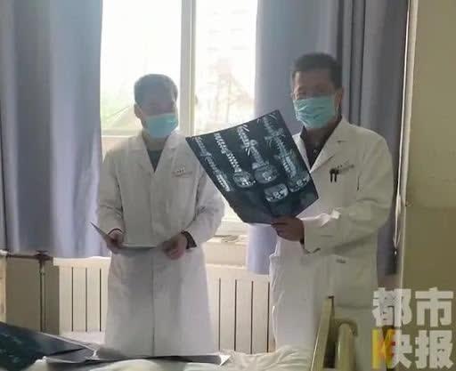 Ngồi học 16 tiếng 1 ngày, nữ sinh 13 tuổi bị thoát vị đĩa đệm: Bác sĩ cảnh báo căn bệnh này có xu hướng trẻ hóa - ảnh 2