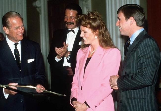 Quan hệ tốt đẹp của Hoàng tế Philip và các nàng dâu: Công nương Diana nhận sự đối đãi đặc biệt nhưng vẫn chưa phải là người được yêu quý nhất - ảnh 12
