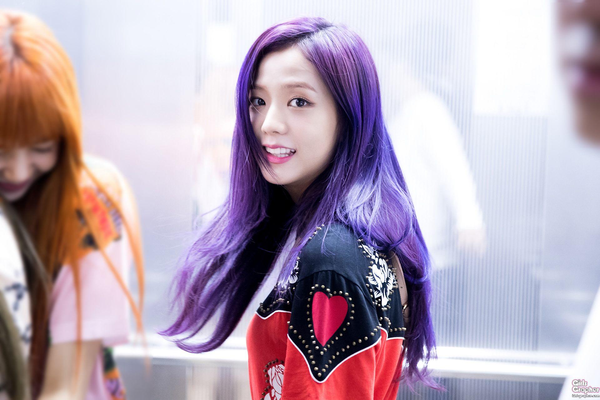 Đẳng cấp của idol đẹp như Hoa hậu: Jisoo chứng minh khả năng cân được mọi màu tóc, từ cơ bản đến chóe lọe - Ảnh 4.