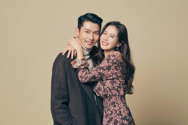 Từ trong phim ra ngoài đời, Son Ye Jin đều tích cực diện một mẫu váy siêu xinh tươi và trẻ trung - ảnh 6