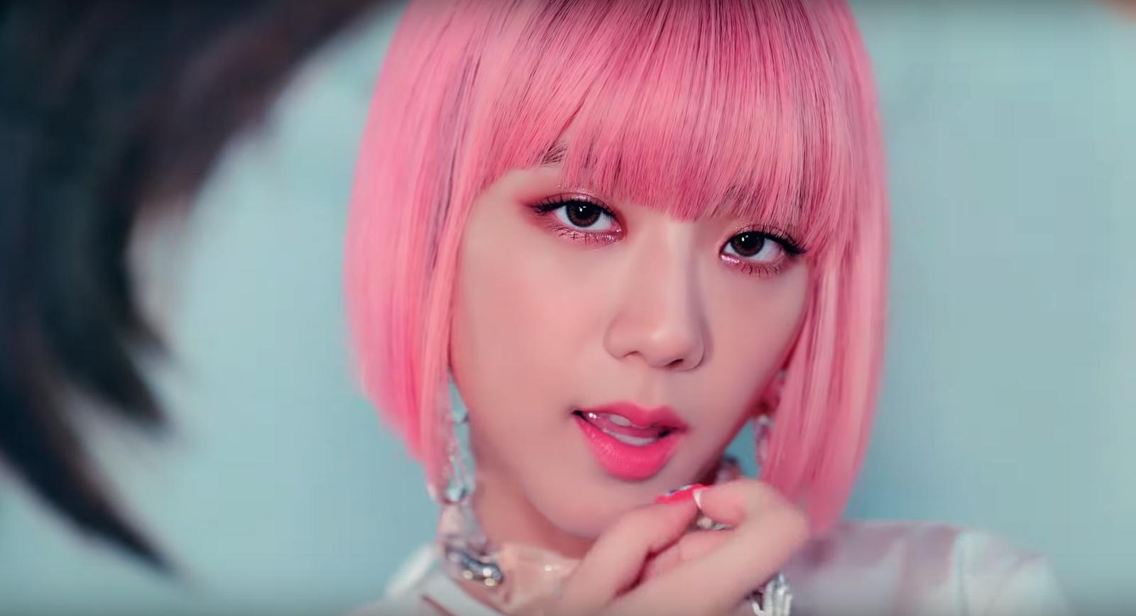 Đẳng cấp của idol đẹp như Hoa hậu: Jisoo chứng minh khả năng cân được mọi màu tóc, từ cơ bản đến chóe lọe - Ảnh 7.