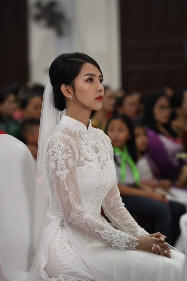 Chỉ một góc nghiêng chụp cô dâu của Phan Mạnh Quỳnh, dân mạng tưởng Vũ Cát Tường để tóc dài lại còn gọi tên cả vợ Công Phượng - ảnh 7
